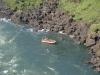 Boot unterhalb der Iguazu Wasserfälle
