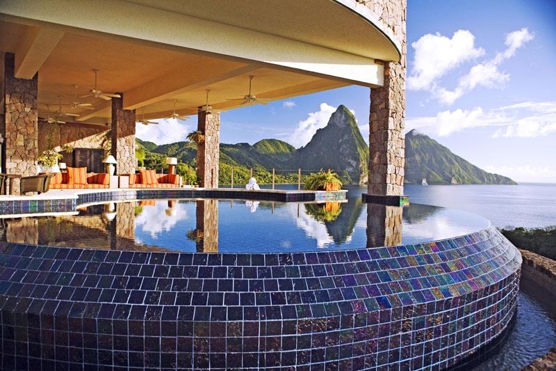hotelzimmer mit eigenem pool