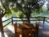 Terrasse des River Chalets im Hippo Hollow Country Estate