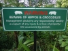 Warning - Beware of hippos and crocodiles (Warnschild Südafrika)